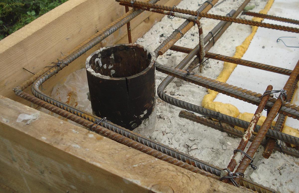 Плитный фундамент на сваях