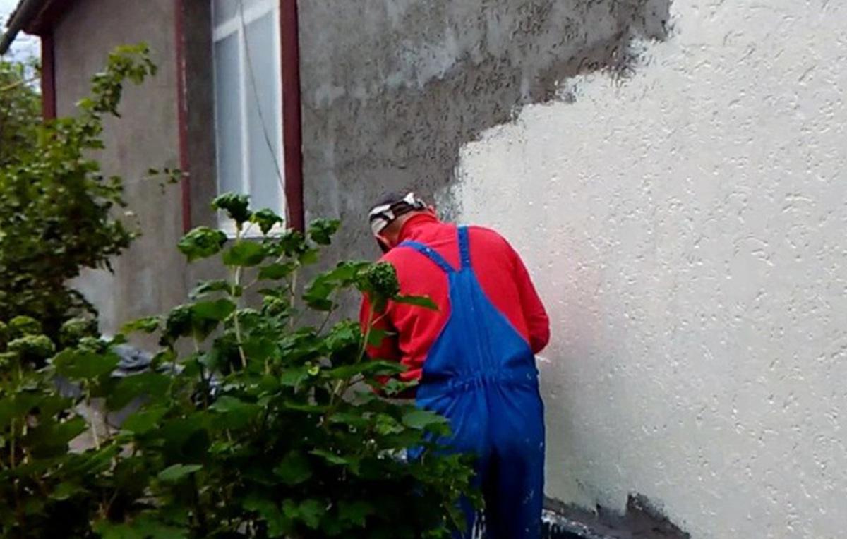 Отделка стен на улице