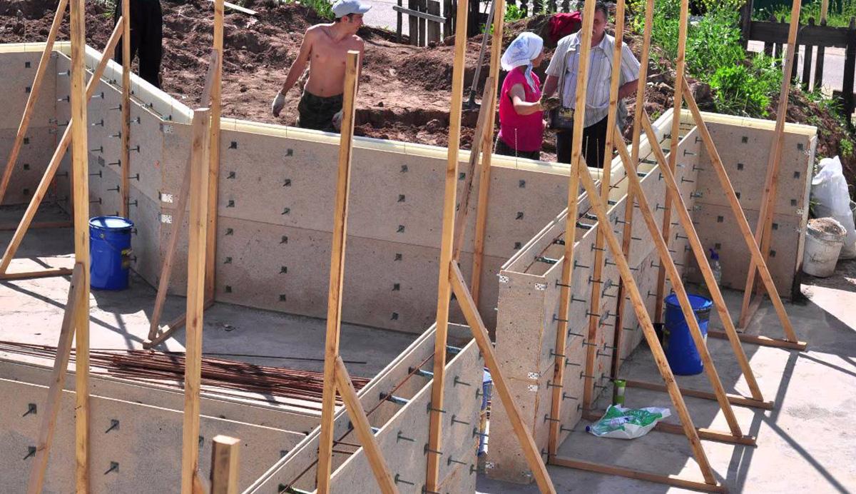 Возведение монолитного дома из бетона