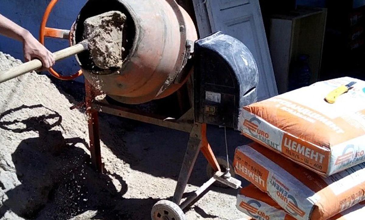 Бетономешалка для приготовления бетона