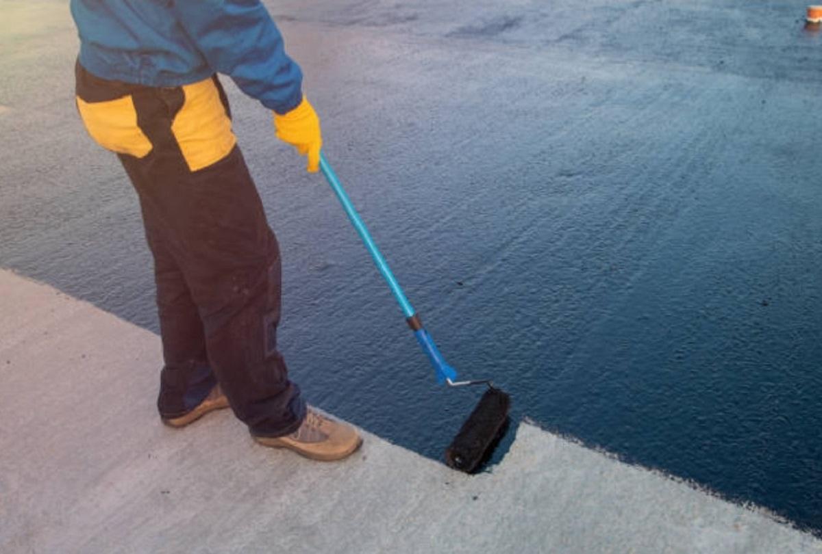 Нанесение битума на бетон