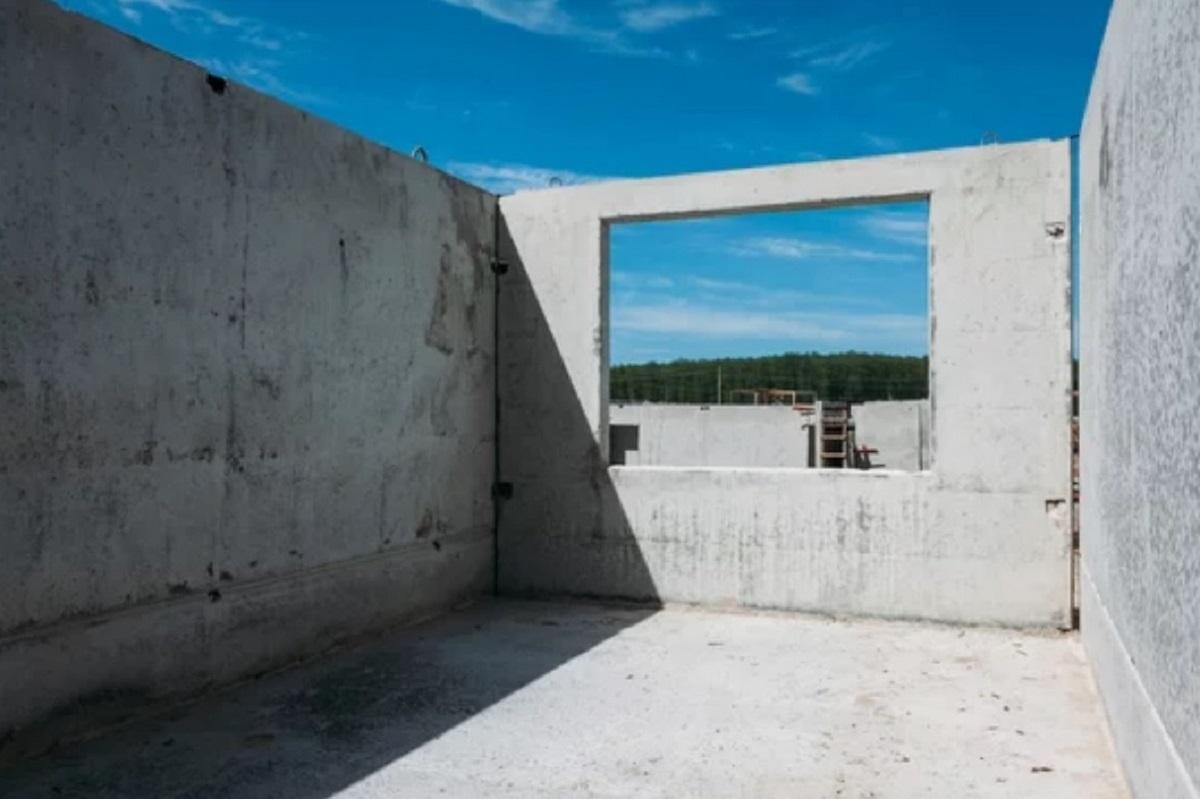 Монолитная стена